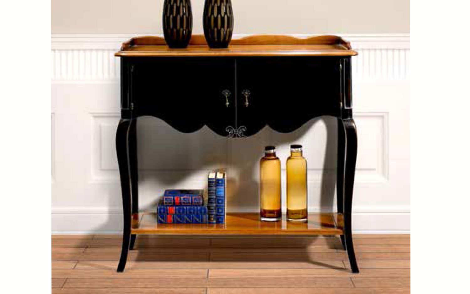 Small side table Bohemian black