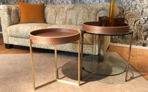 ghycze glazen tafeltjes met hout en messing of chroom
