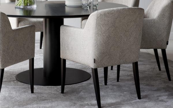 passe partout eethoek eetkamerstoel stoel modern eigentijds tijdloos stoffen stoel gestoffeerde stoel