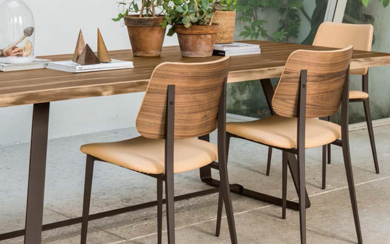 midj eetkamerstoelen houten zit en houten rug
