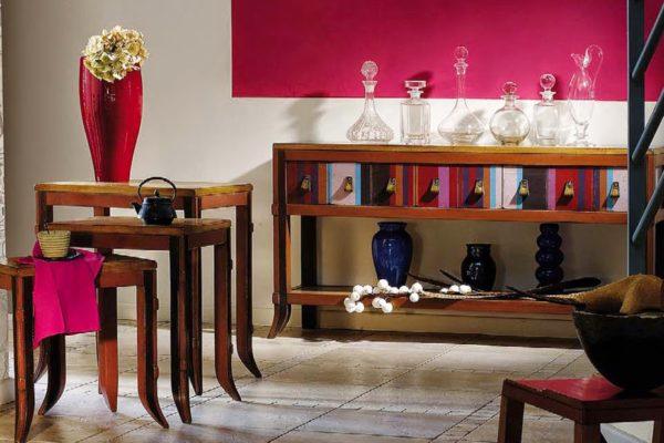 gekleurde wandtafel en mimisetje bayonne