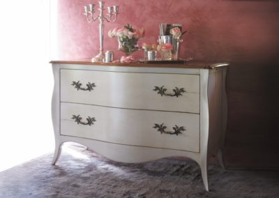 Commode Pompadour