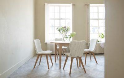 Lille tafel en Lily chair smellink interiors smellink classics