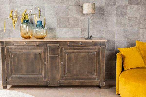 dressoir commode in eikenhout grijze afwerking deuren en lades design landelijk en modern