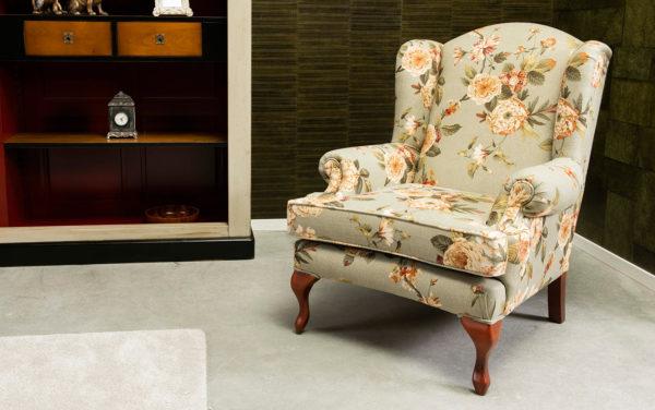wingchair oorfauteuil engels klassiek kersenhouten pootjes bloemmotief design meubels